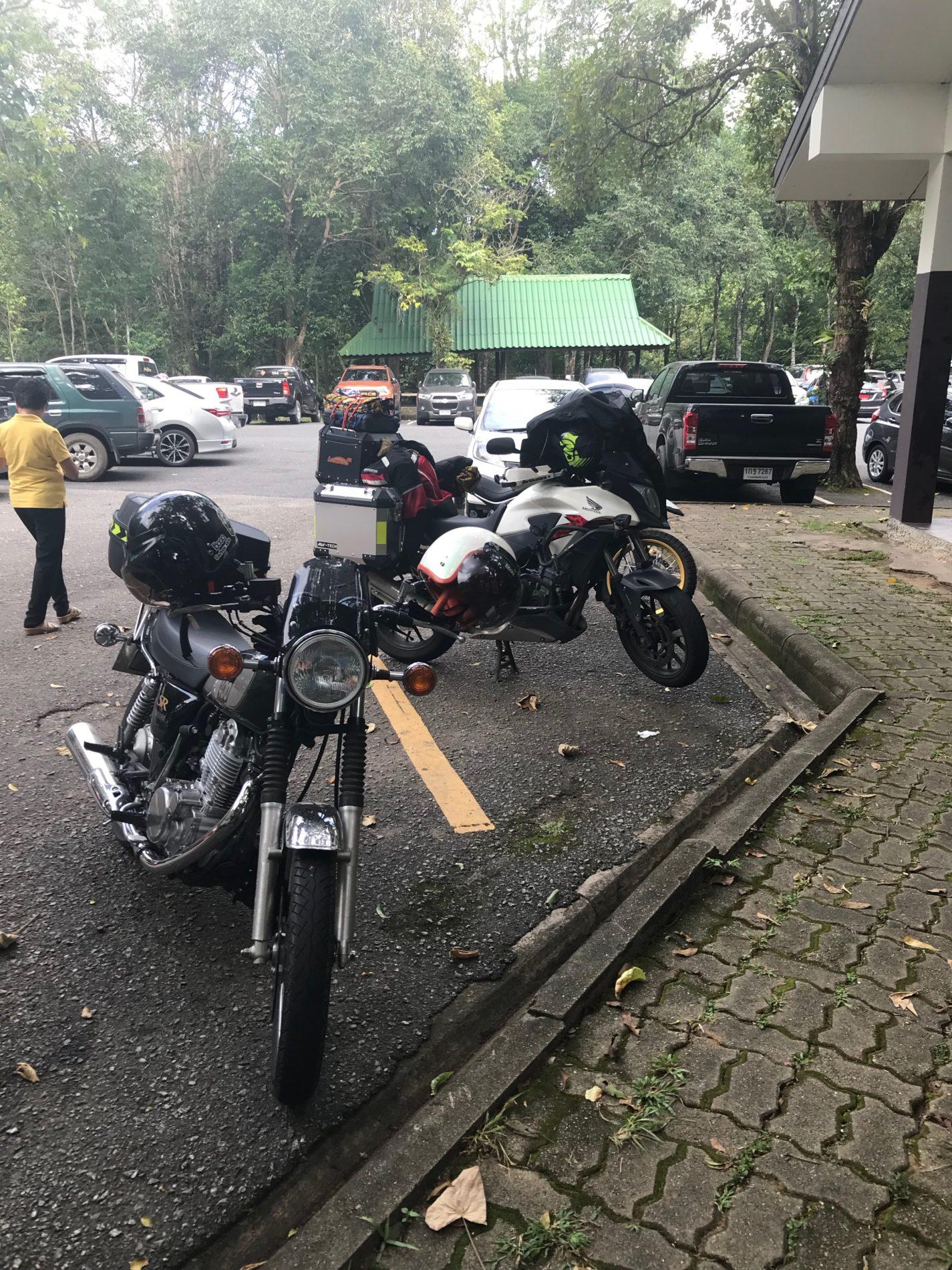 カオヤイ国立公園 バイク