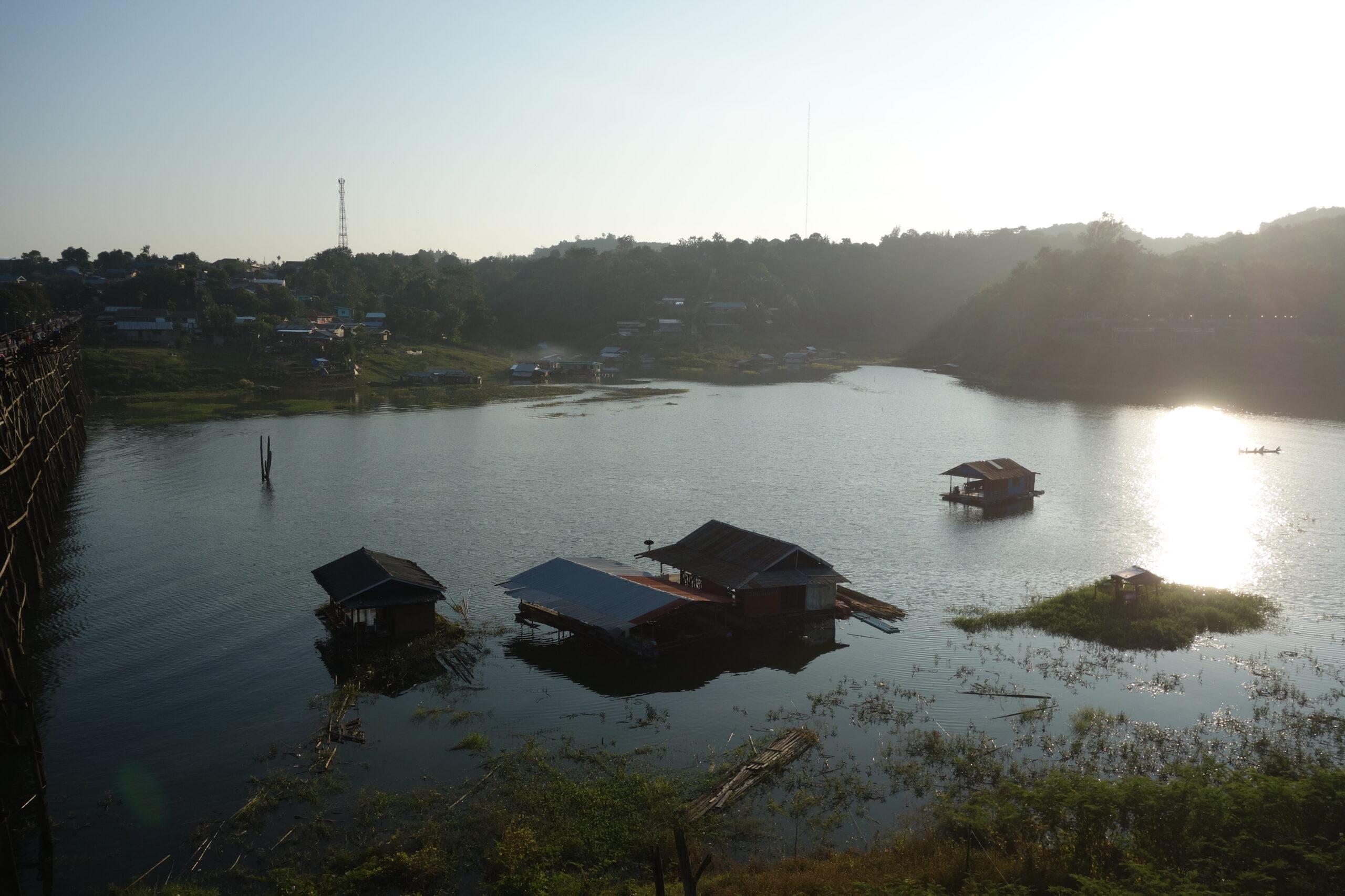 Thai Sangkhlaburi boat tour